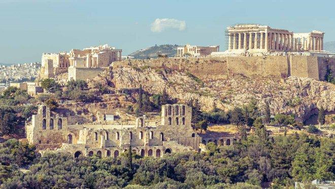 dónde alojarse en Atenas en verano