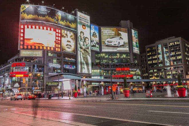 vallas publicitarias de Toronto