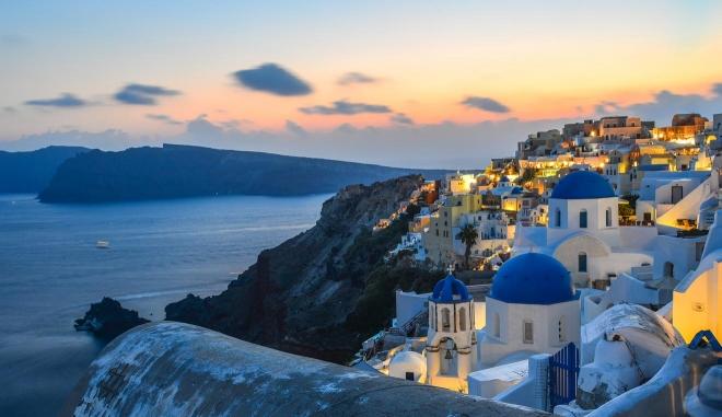 donde alojarse en santorini grecia