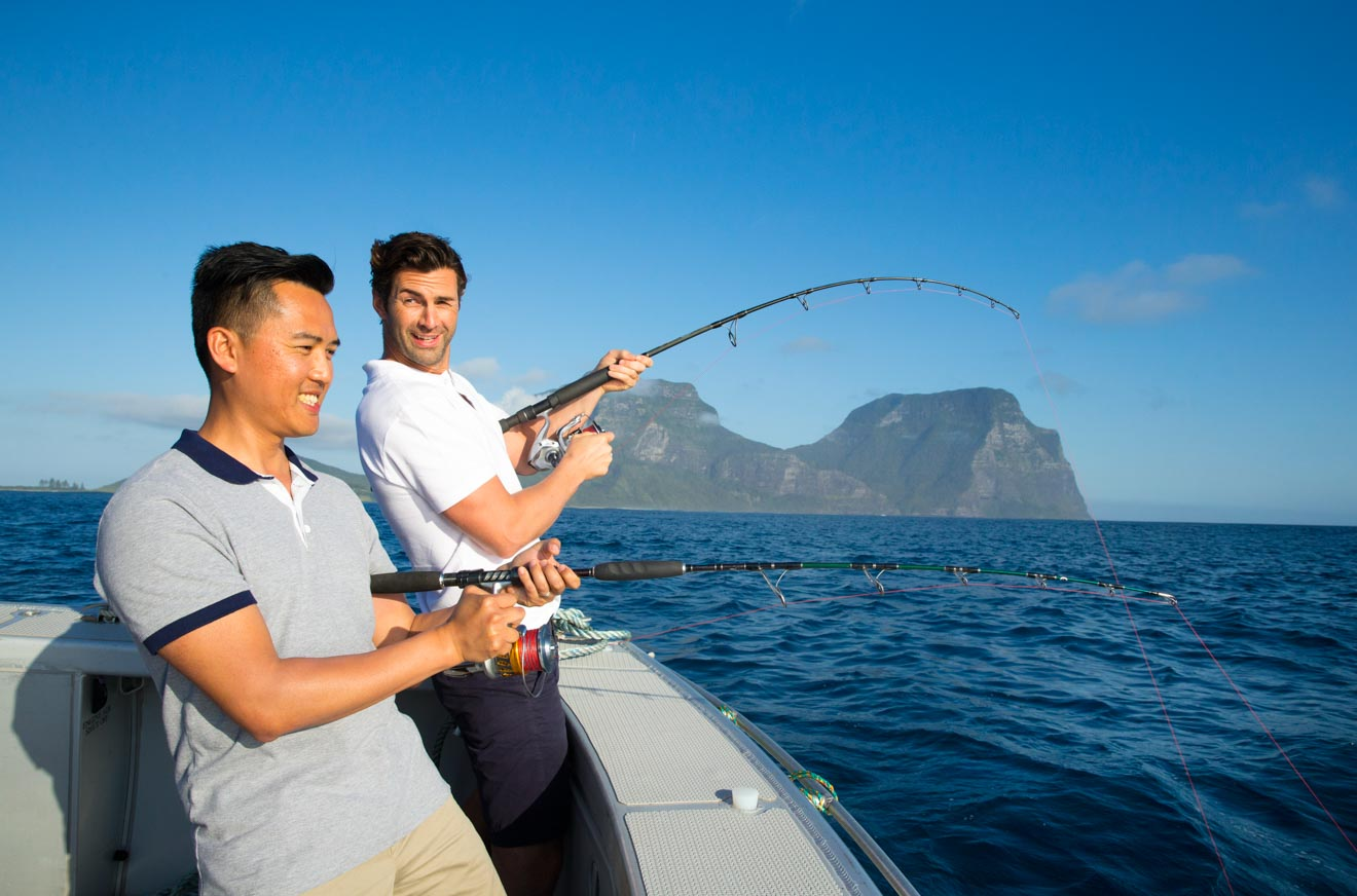 "Barco de pesca en aguas profundas de Lord Howe Island ""srcset ="" https://misstourist.com/wp-content/uploads/2020/06/Deep-Sea-Fishing-Lord-Howe-Island-320x211. jpg 320w, https: // misstourist.com/wp-content/uploads/2020/06/Deep-Sea-Fishing-Lord-Howe-Island-327x216.jpg 327w, https://misstourist.com/wp-content/ uploads / 2020/06 / Deep -Sea-Fishing-Lord-Howe-Island-400x264.jpg 400w, https://misstourist.com/wp-content/uploads/2020/06/Deep-Sea-Fishing-Lord-Howe -Island-660x436.jpg 660w, https://misstourist.com/wp-content/uploads/2020/06/Deep-Sea-Fishing-Lord-Howe-Island-660x436@2x.jpg 1320w, https: // misstourist .com / wp-content / uploads/2020/06/Deep-Sea-Fishing-Lord-Howe-Island-320x211@2x.jpg 640w, https://misstourist.com/wp-content/uploads/2020/06/ Deep-Sea-Fishing-Lord -Howe-Island-327x216@2x.jpg 654w, https://misstourist.com/wp-content/uploads/2020/06/Deep-Sea-Fishing-Lord-Howe-Island-400x264 @ 2x.jpg 800w ""tamaños ="" (ancho máximo: 1320px) 100vw, 1320px"
