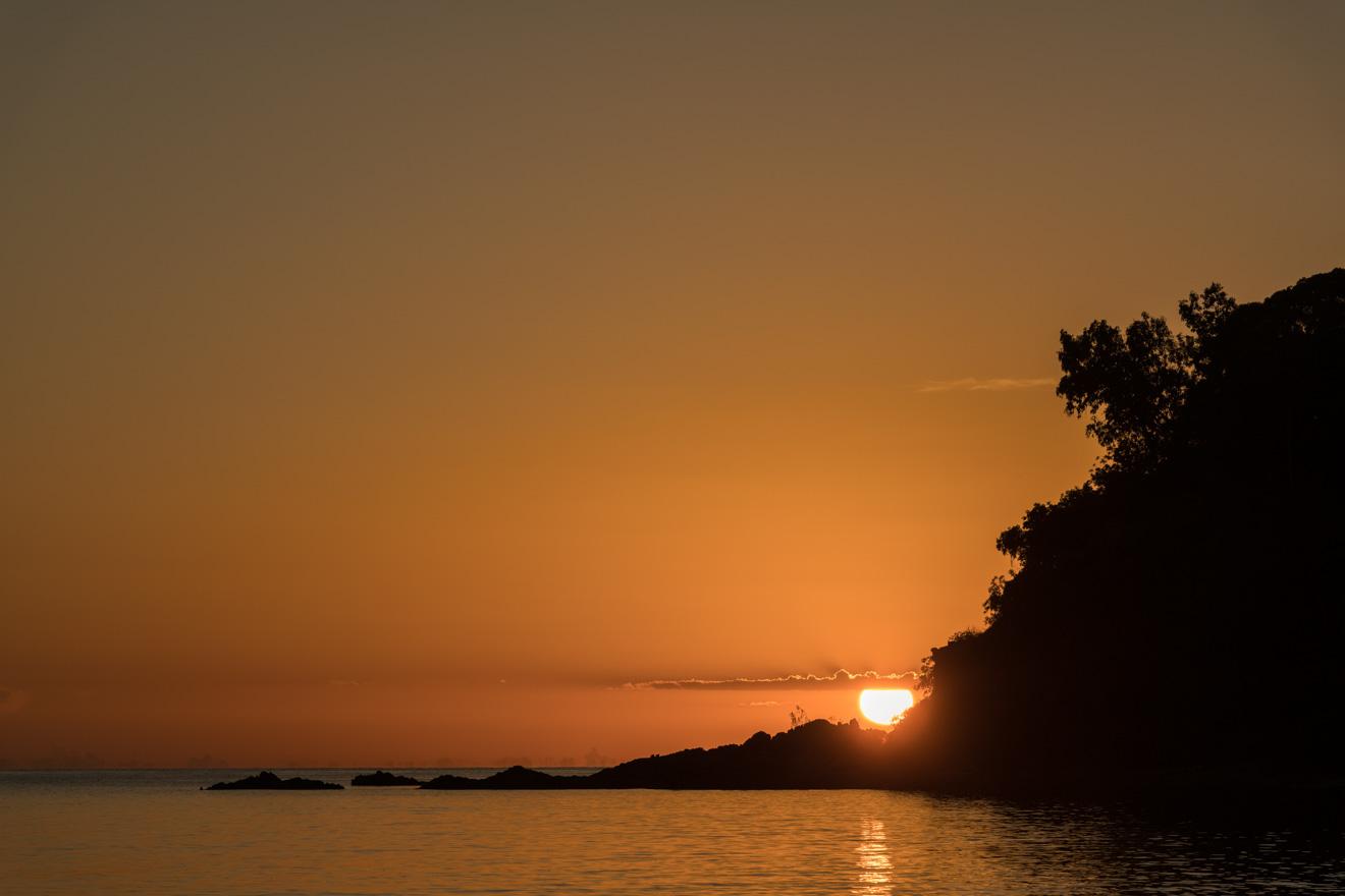 impresionante puesta de sol en Port Douglas