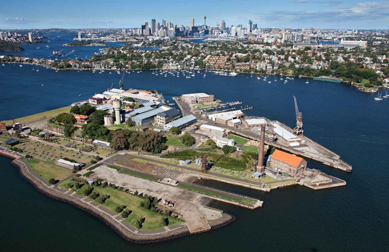 Vista aérea de la isla Cockatoo cuando se visita el puerto de Sydney
