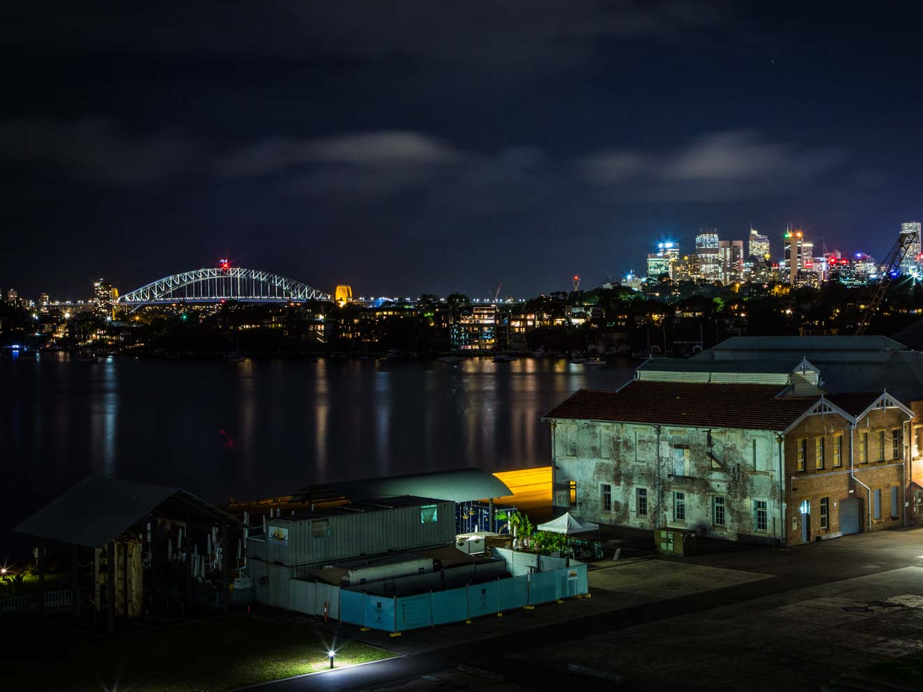 Vista del horizonte de Sydney desde la isla Cockatoo