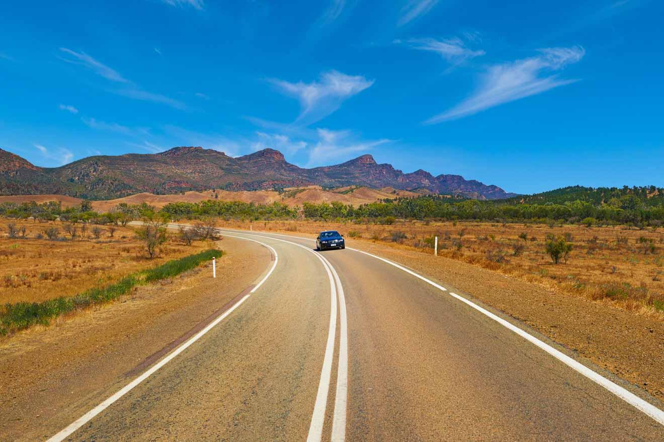 Conducir cosas para hacer El tiempo Wilpena Pound, Flinders Ranges National Park, SA