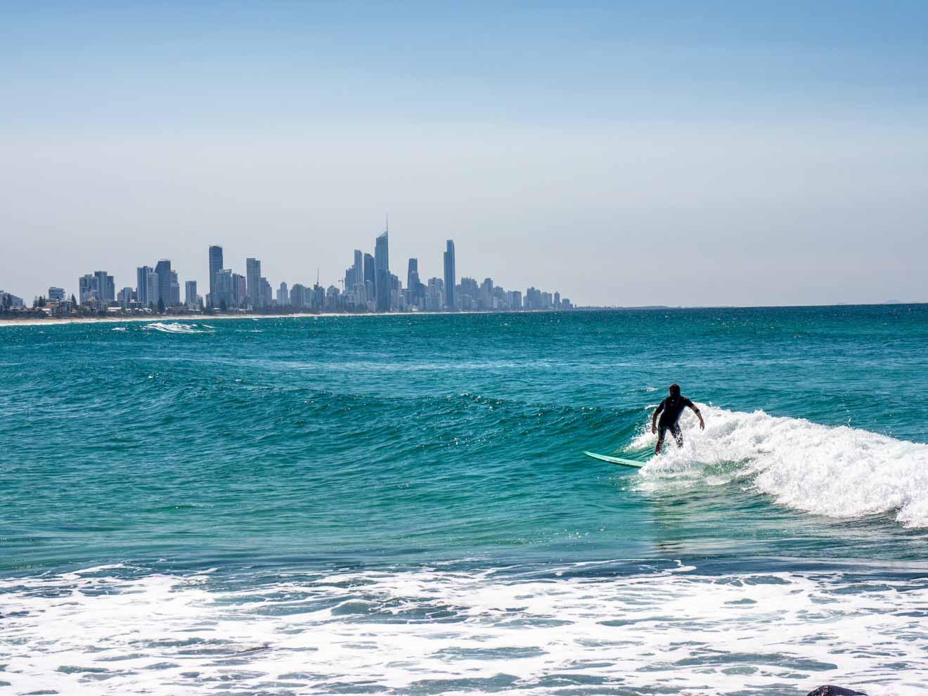 Surfer Cosas que hacer en Gold Coast experiencias únicas