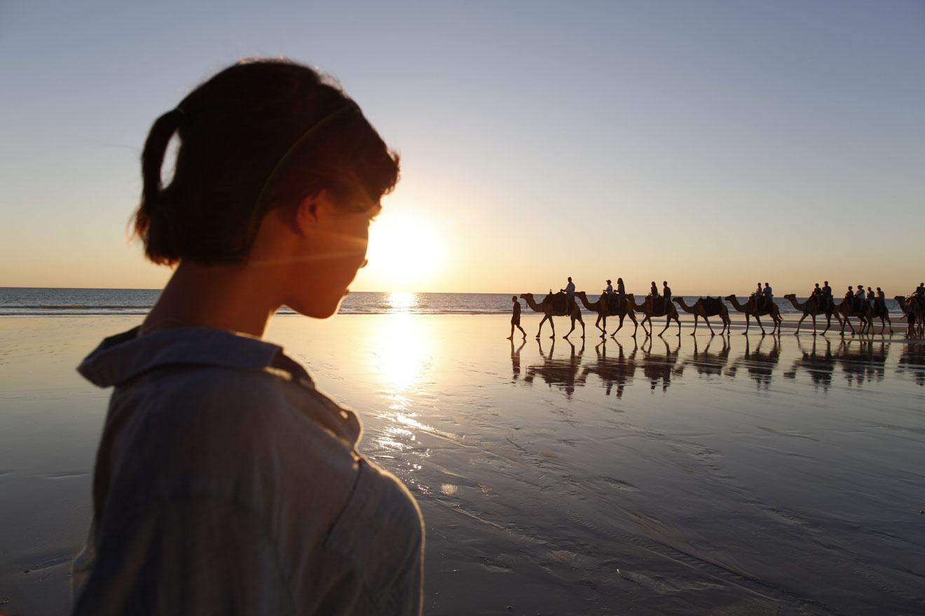 Camello en el fin de semana al atardecer Cosas que hacer en Broome