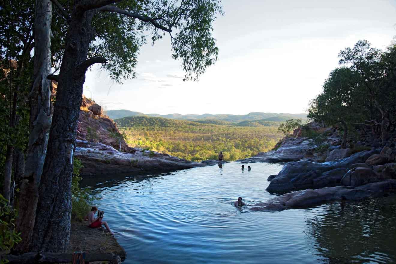 Relajarse en Gunlom Falls Qué hacer en Kakadu y Litchfield