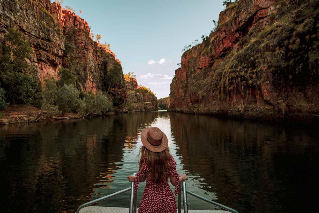 Sunrise ilumina las excursiones de un día a Katherine Gorge desde Darwin Coast Trips