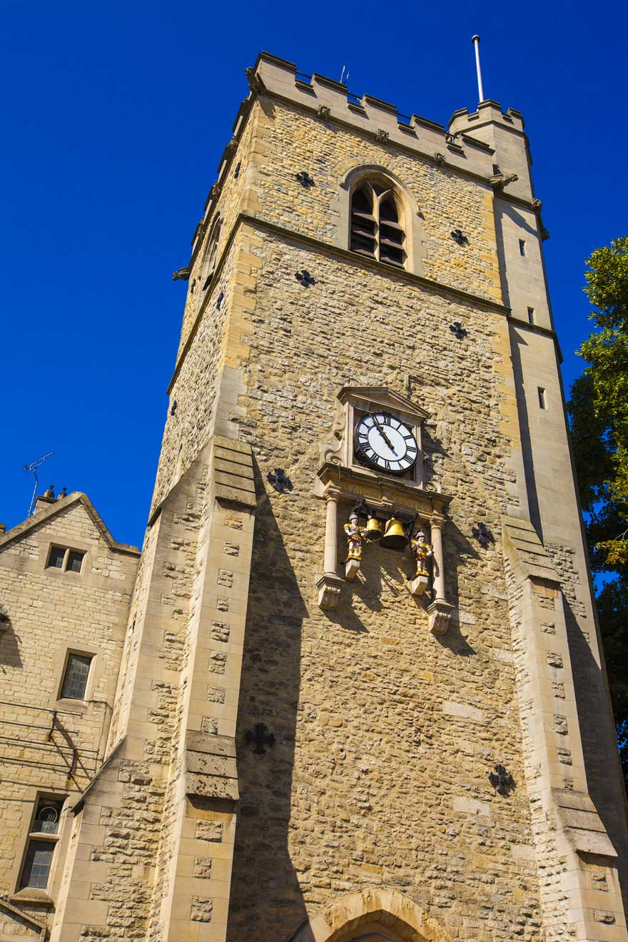 """11 cosas que hacer en Oxford carfax tower """"width ="""" 220 """"height ="""" 330"""